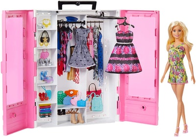 Barbie Fashionistas Ultimate Closet Doll and Accessories