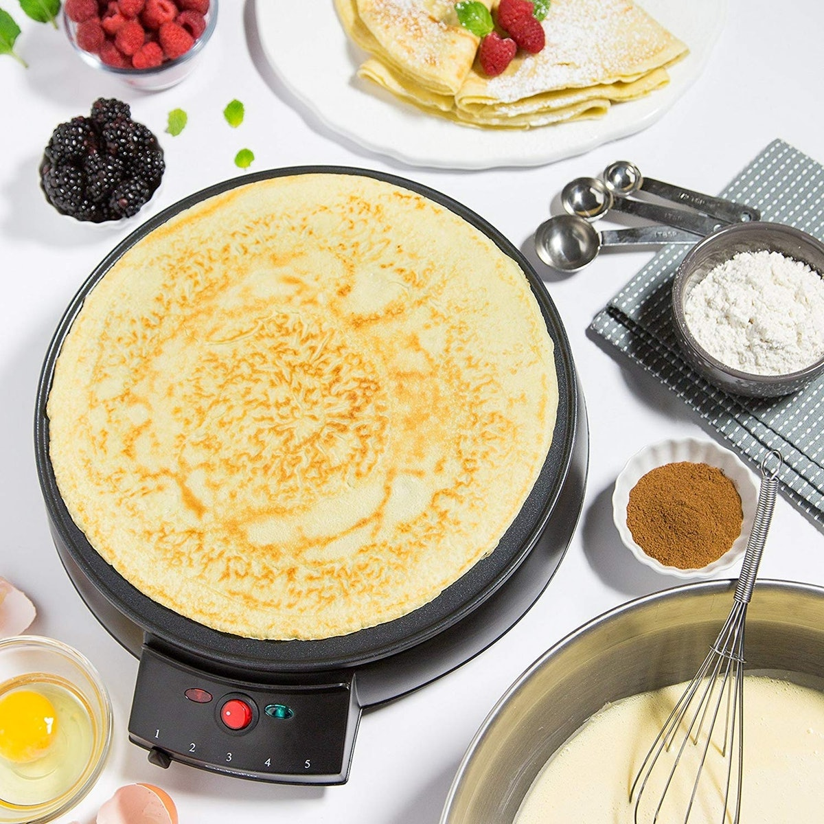 """CucinaPro Crepe Maker and Non-Stick 12"""" Griddle"""
