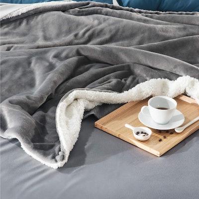 Bedsure Sherpa Fleece Blanket