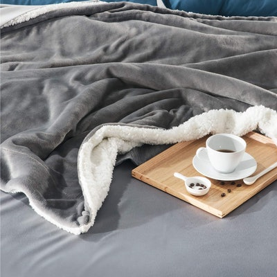 Bedsure Sherpa Fleece Blanket