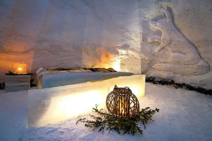 Each igloo comes with actual beds and images of polar animals on the wall.