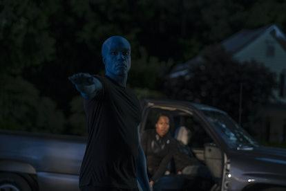 Yahya Abdul-Mateen II as Doctor Manhattan and Regina King as Angela Abar in Watchmen