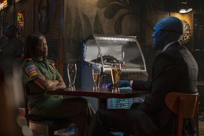 Regina King as Angela Abar and Yahya Abdul-Mateen II as Doctor Manhattan in Watchmen