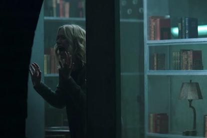 Beck (Elizabeth Lail) in 'You' Season 1