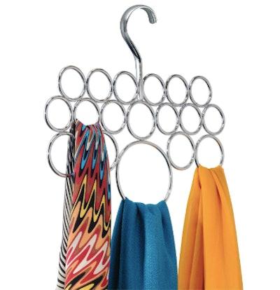 VIDEO iDesign Axis Metal Loop Scarf Hanger