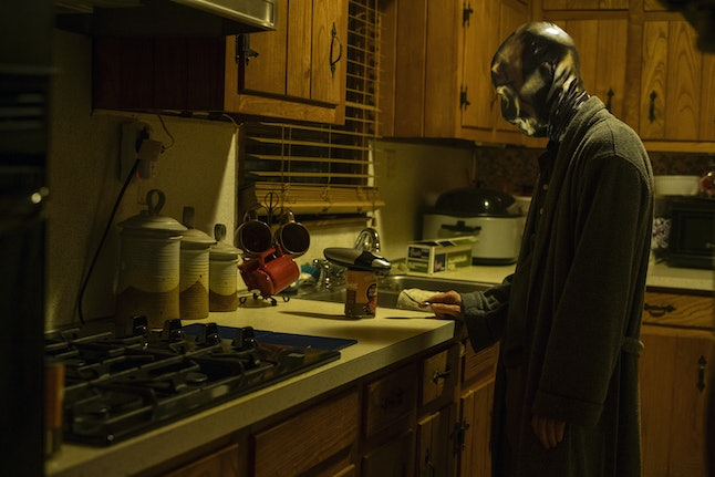Looking Glass took off his mask in 'Watchmen'