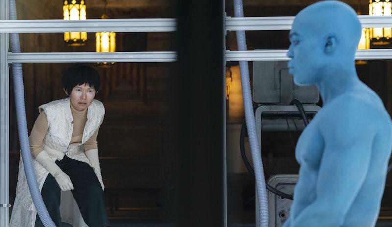 Hong Chau as Lady Trieu and Yahya Abdul-Mateen II as Doctor Manhattan in Watchmen