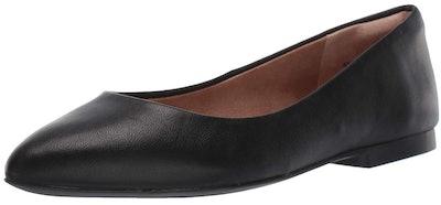 Amazon Essentials Women's Pointed Toe Flat