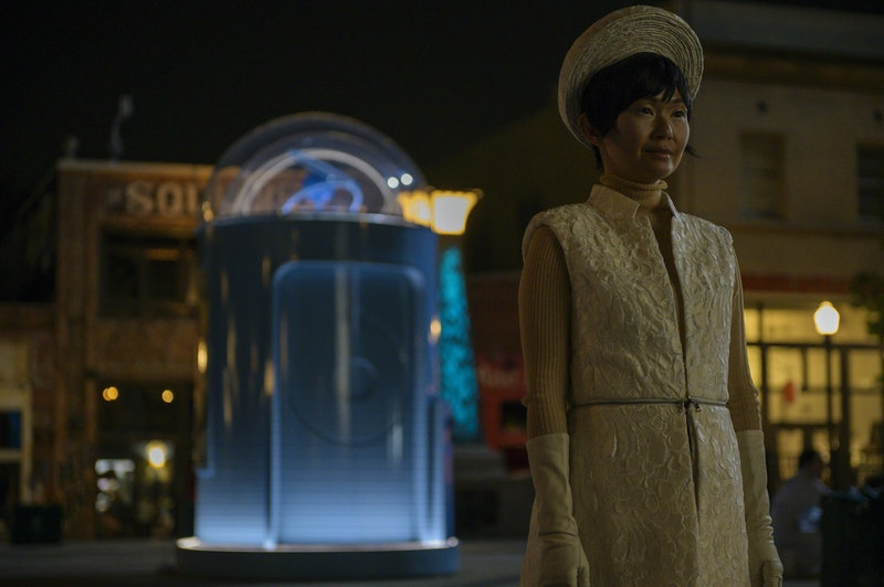 Lady Trieu captures Dr. Manhattan in the finale of Watchmen Season 1.