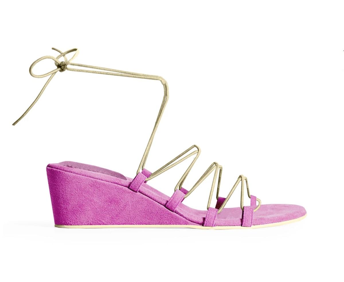 Bungee Wedge Sandal in Femme