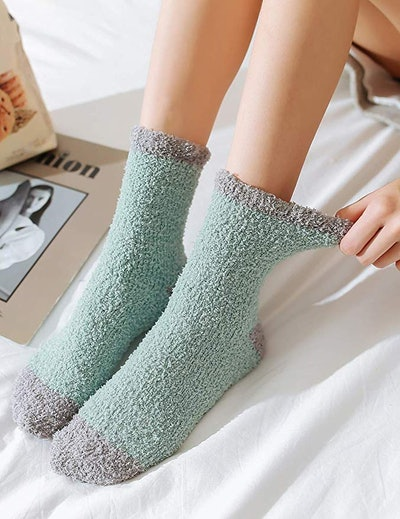 TOCONFFON Fluffy Socks (5 Pairs)