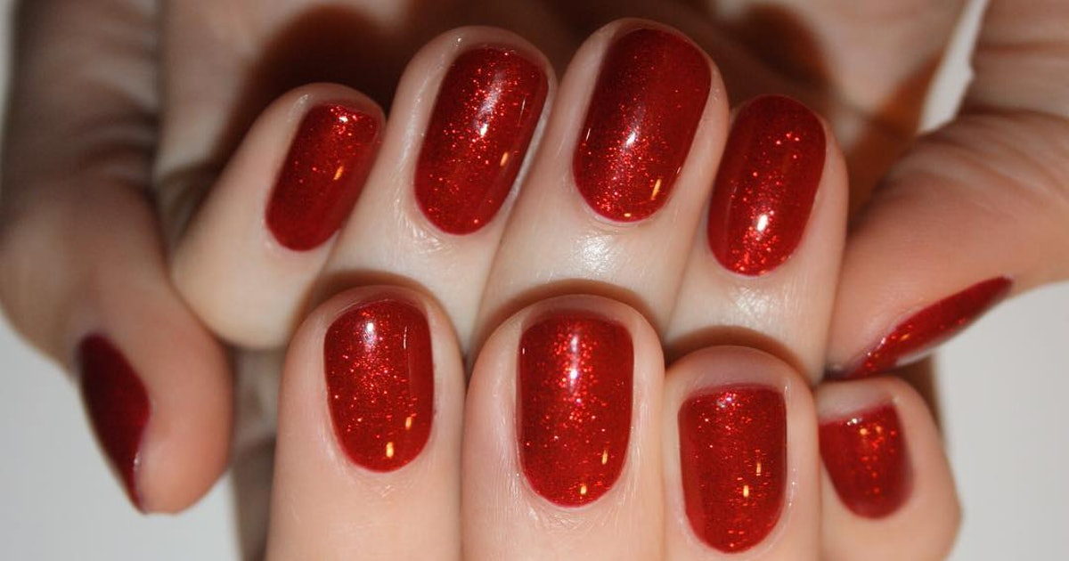 The 10 Best Nail Polishes For Fair Skin That I Ll Be Wearing All Winter