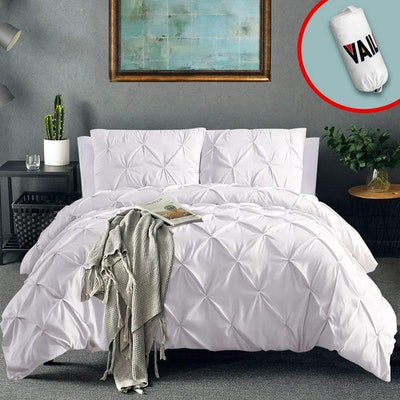 Vailge 3 Piece Pinch Pleated Duvet Cover Set (Sizes Twin-California King)