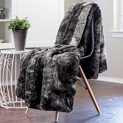 Chanasya Faux Fur Throw Blanket