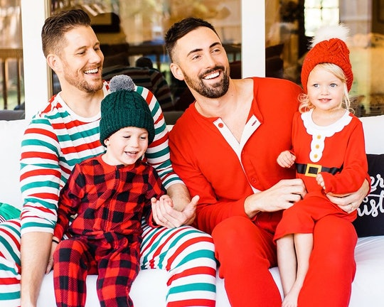 Old Navy has a new ad featuring two dads with their kids getting ready for Christmas.