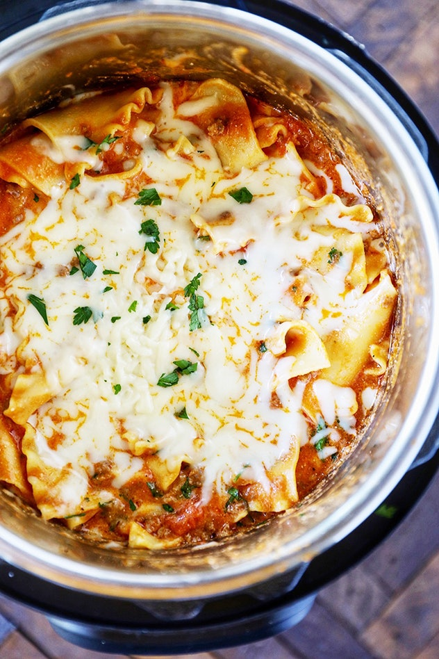 crock pot full of lasagna