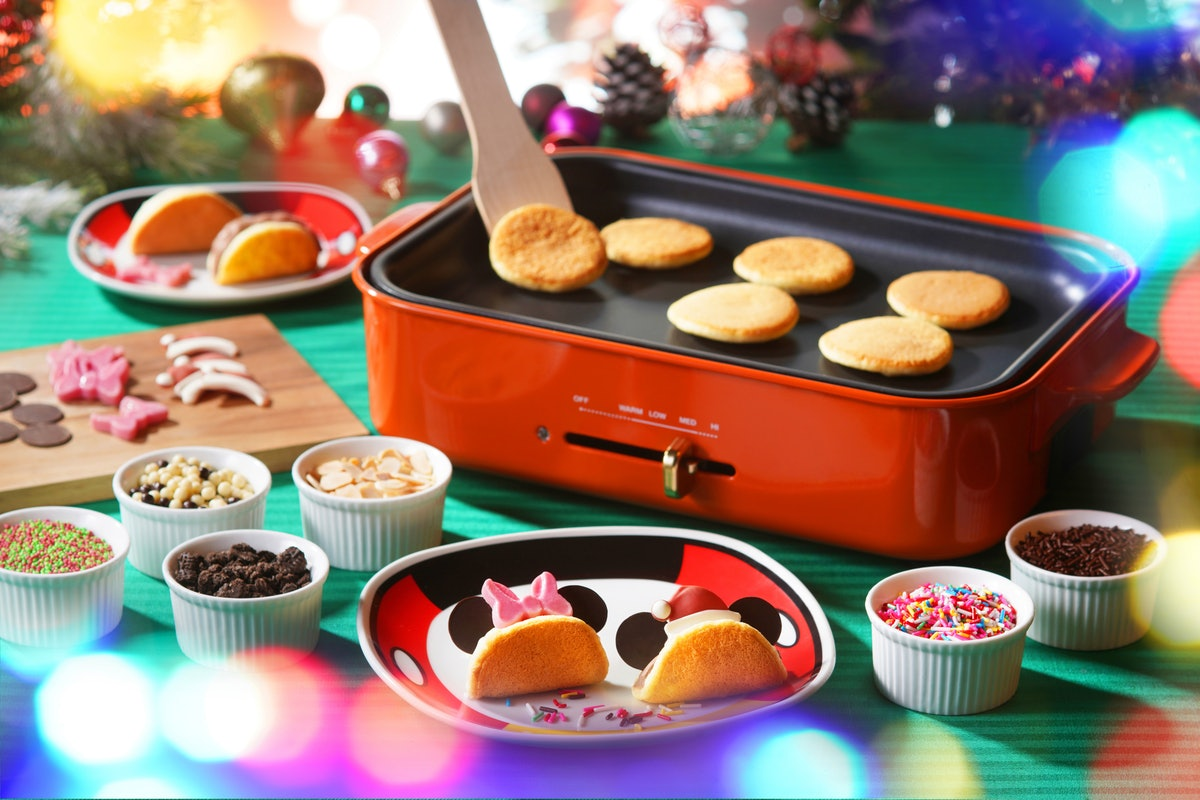 Mickey and Minnie soufflé pancakes are available at Hong Kong Disneyland Resort for the holidays.