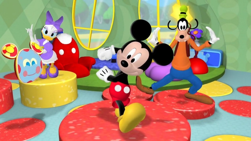mickey mouse, goofy, and Donald duck doing the hot dog dance from mickey mouse clubhouse