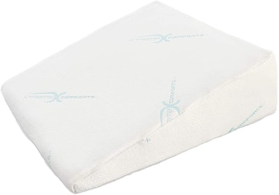Xtreme Comforts 7-Inch Memory Foam Bed Wedge Pillow