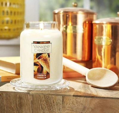 Yankee Candle Large Jar Candle (French Vanilla Scent)