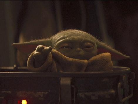 Baby Yoda uses the Force choke in The Mandalorian
