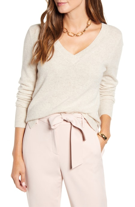 Halogen V-Neck Cashmere Sweater in Oatmeal