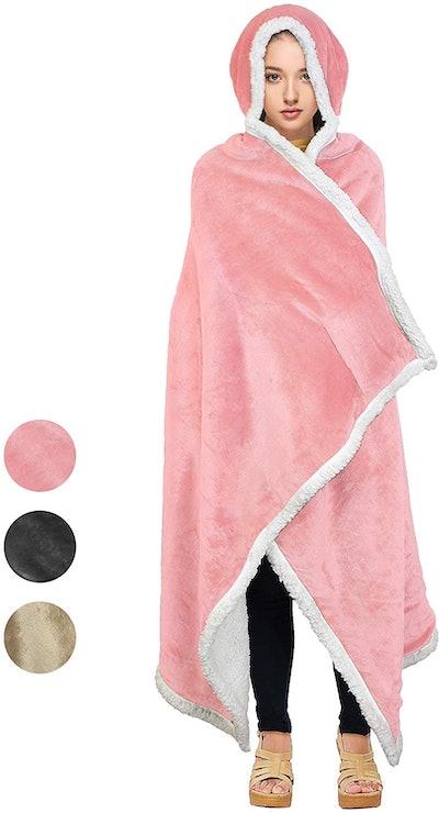 Tirrinia Sherpa Hooded Blanket