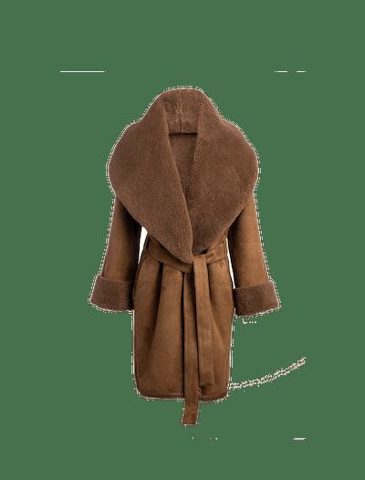 The Anais Reversible Shearling Coat In Mocha