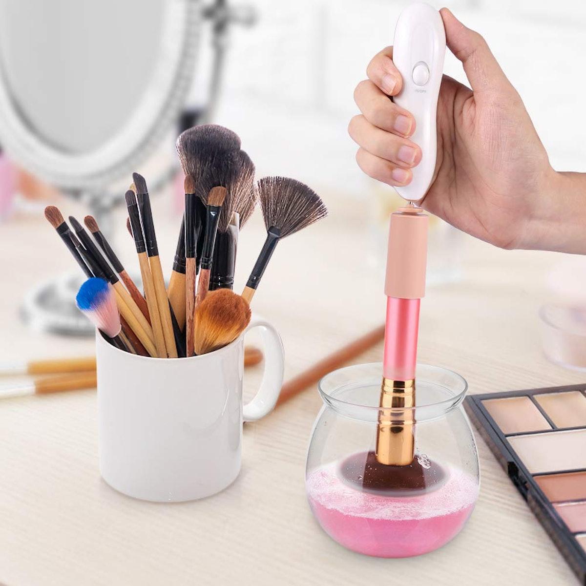 LARMHOI Makeup Brush Cleaner