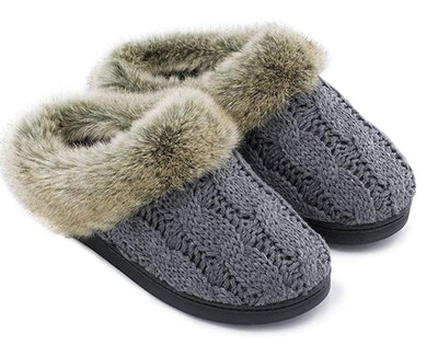 Women's Soft Yarn Cable Knitted Slippers
