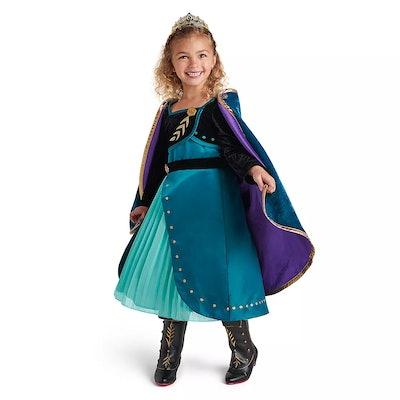 Queen Anna Deluxe Costume
