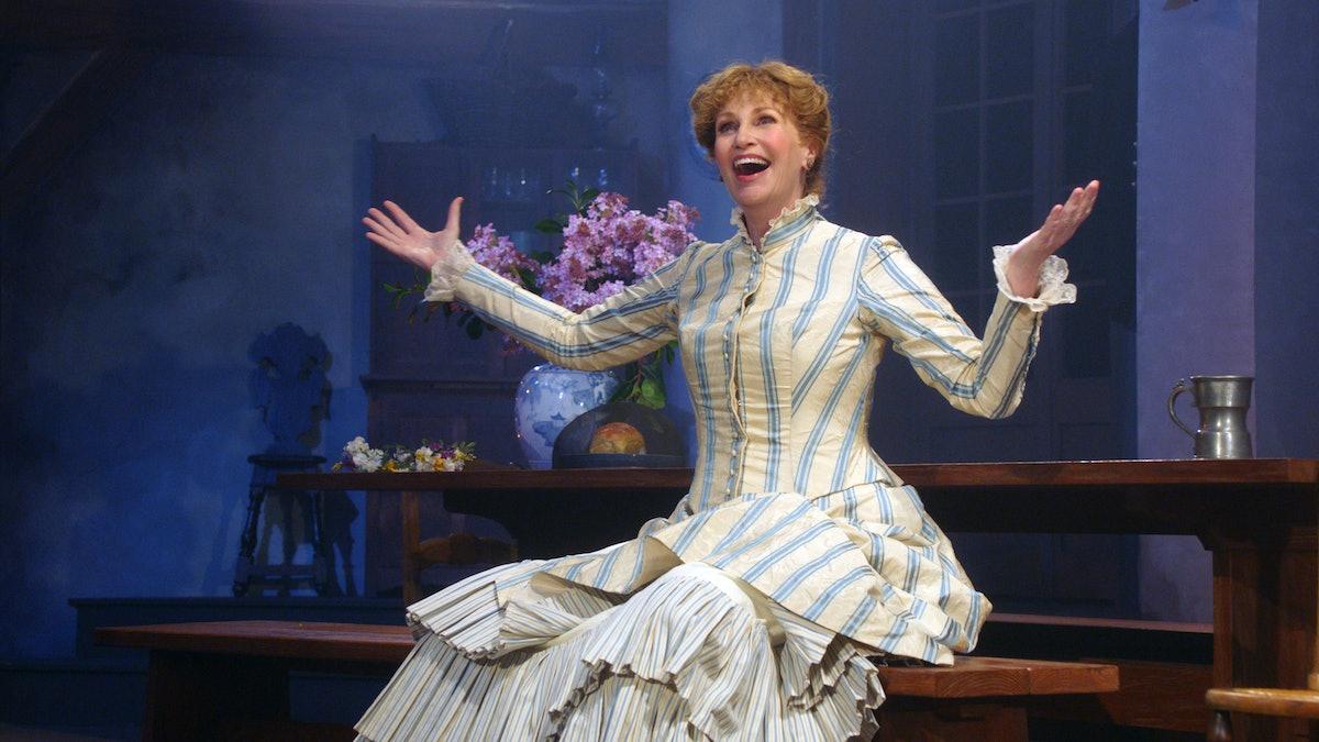 Jane Lynch as Sophie in Marvelous Mrs. Maisel