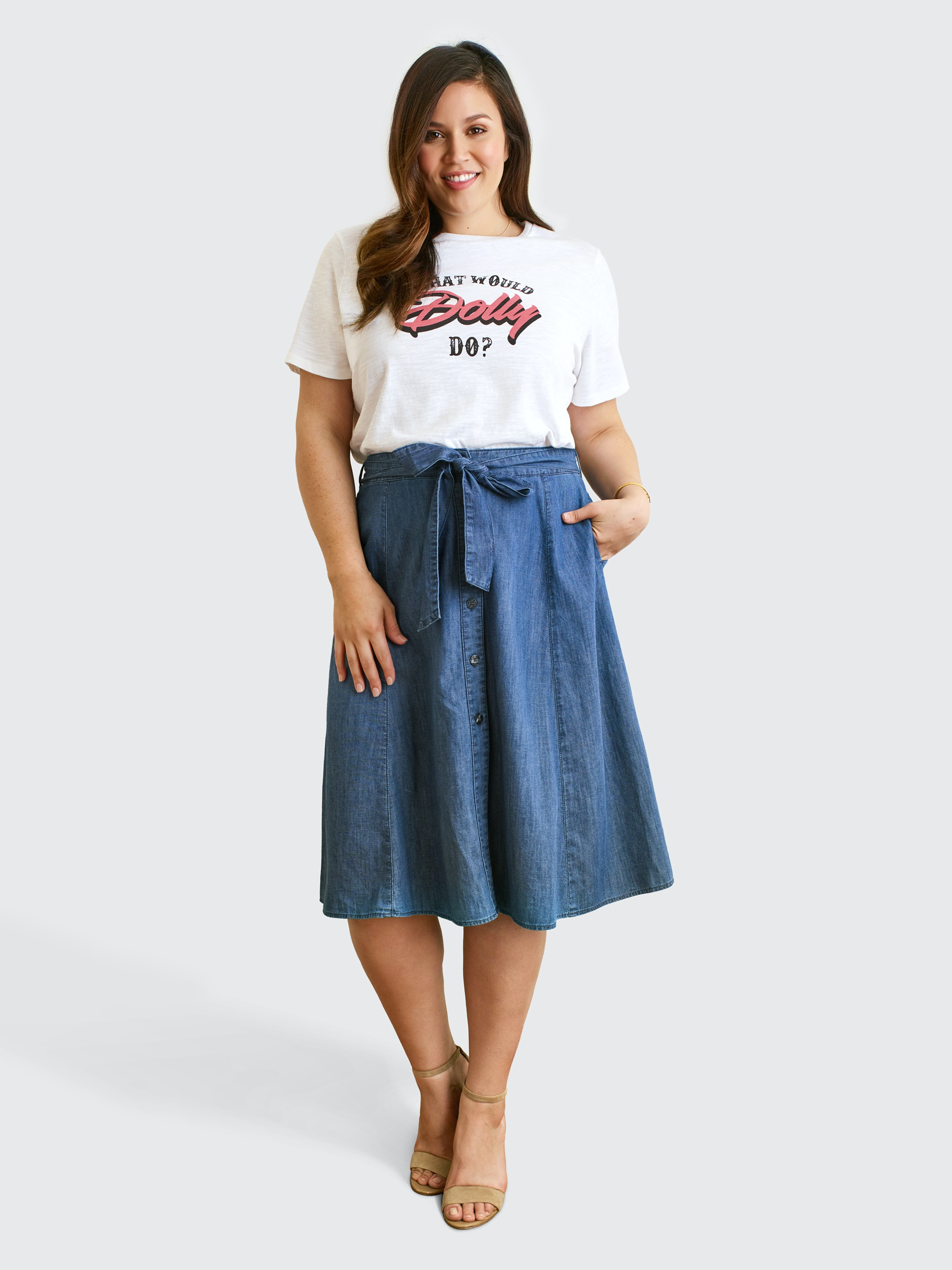 4ba93f0baee Reese Witherspoon s Draper James Clothing Line Now Carries Up To Size 24