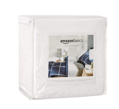 AmazonBasics Mattress Protector