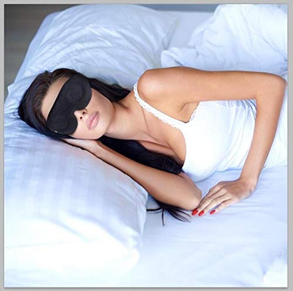 ZGGCD 3-D Sleeping Mask