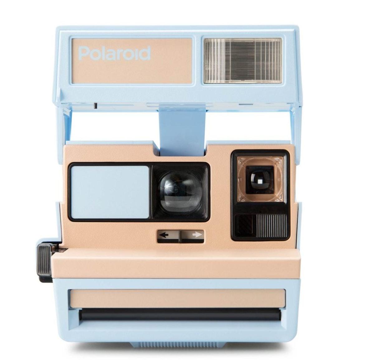 Polaroid 600 Camera - Blueberry Burst