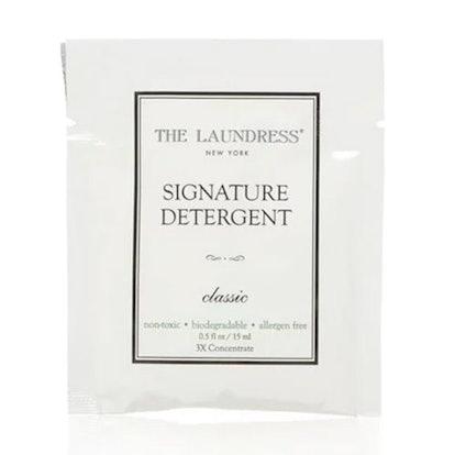 Signature Detergent Packet