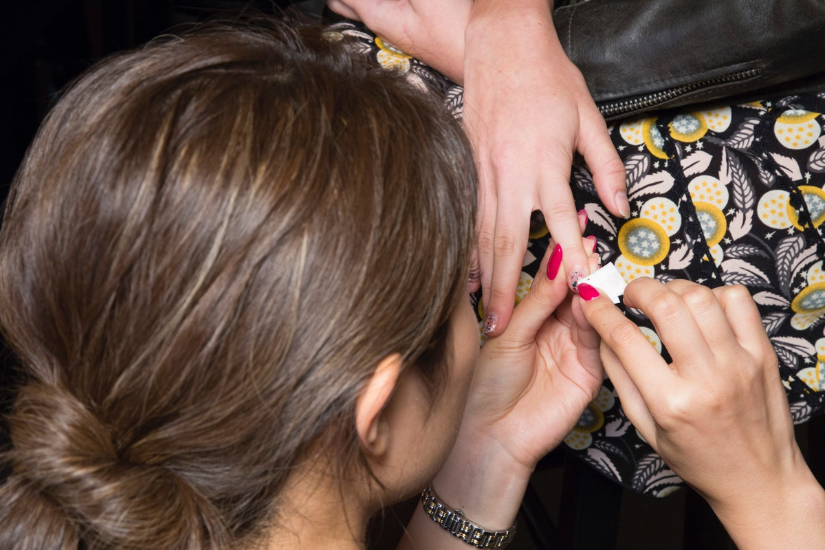 This Simple Nail Art Trend From NYFW Fall/Winter 2019 Is SO Easy To Do At Home