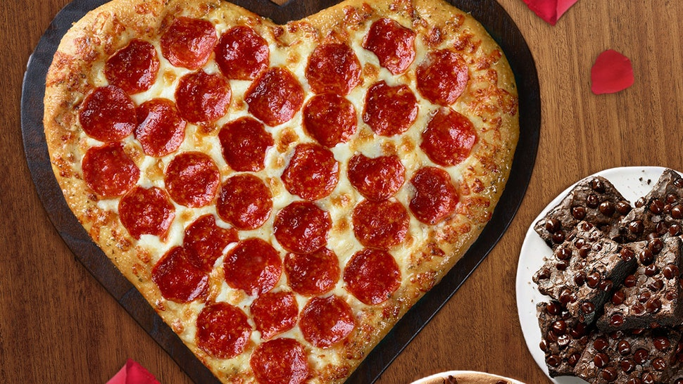 8fa51636-3b4a-4483-8ded-c45c784414cf-heart-shaped-pizza-w-cookie-brownie.jpg?w=970&h=546&fit=crop&crop=faces&auto=format&q=70