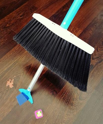 SweepEasy Scrape And Go Broom