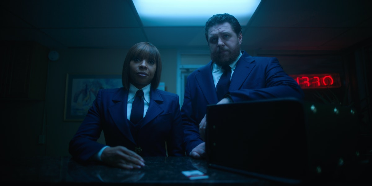 There's More Than Just Hot Sauce In 'The Umbrella Academy' Briefcase