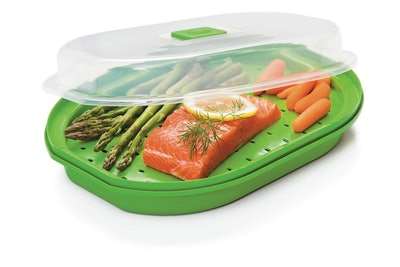 Microwavable Fish and Veggie Steamer