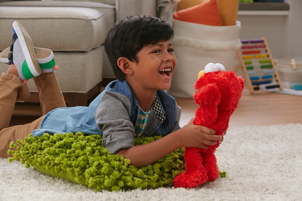 This New Elmo Toy Gives Actual Hugs, & Your Kids Are Going To Fall In Love