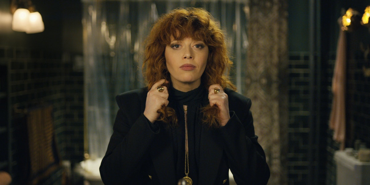 The Fashion In Netflix's Russian Doll Is Just As Good As The Acting & Here's How To Dupe The Look It