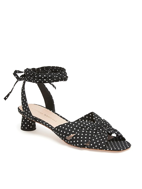 8d7599e0c6d2f Meghan Markle's Polka Dot Heels Are A Chic & Subtle Approach To Retro Prints