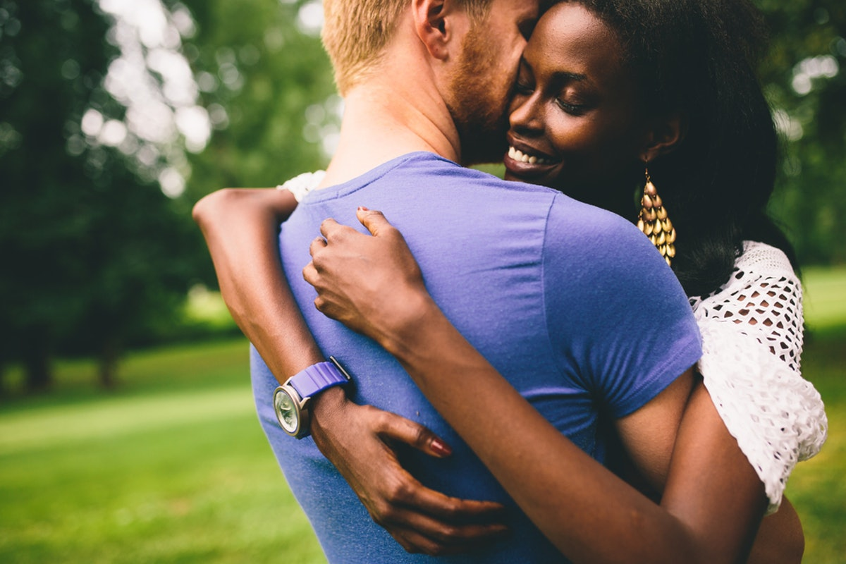 7 Differences Between Having Trust Issues In Your Relationship Vs. A Bad Gut Feeling