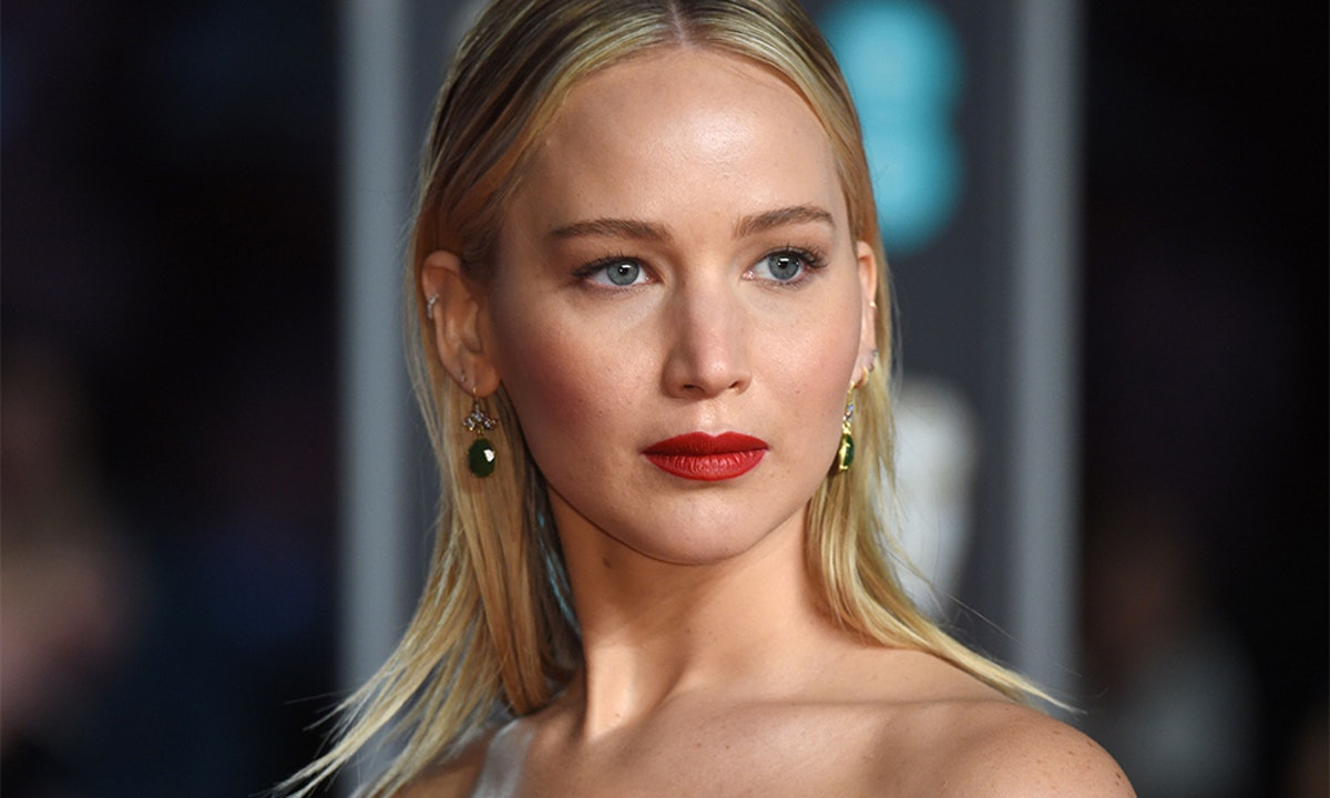 Jennifer Lawrence's Green Beret Is A Cool Take On The French-Girl Accessory