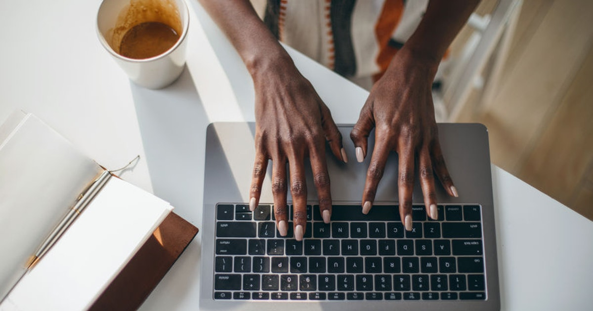 How To Use CC On Email, Because This Digital Etiquette Expert Is Here To Dispel Some Major Myths