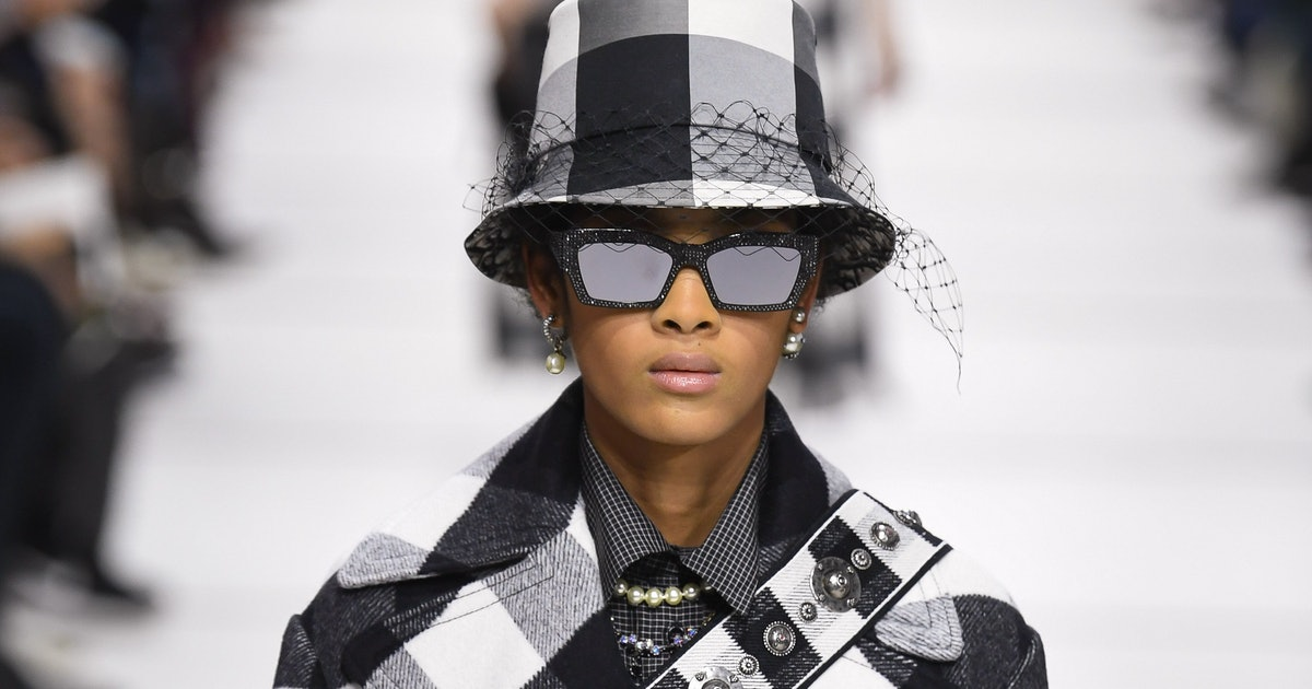 290755643 Dior's Fall 2019 Bucket Hats Are Going To Be The Next Must-Have ...
