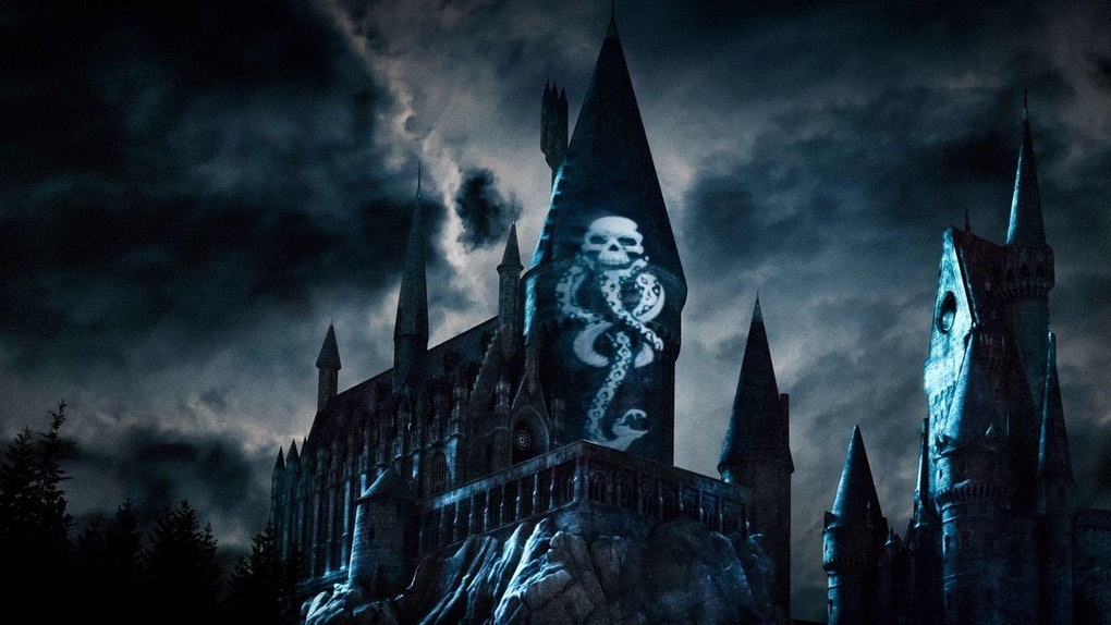 The Wizarding World Of Harry Potter Launched A Dark Arts Light Show